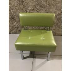 Кресло для посетителей кож.зам салатовое (новое)