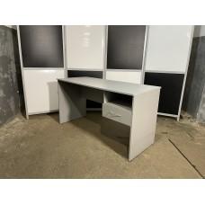 Стол письменный с тумбой 140х60см б/у