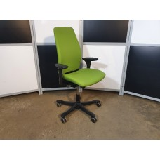 Компьютерное кресло Kinnarps Швеция