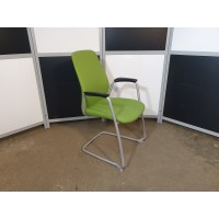 Кресло для посетителей Kinnarps Швеция
